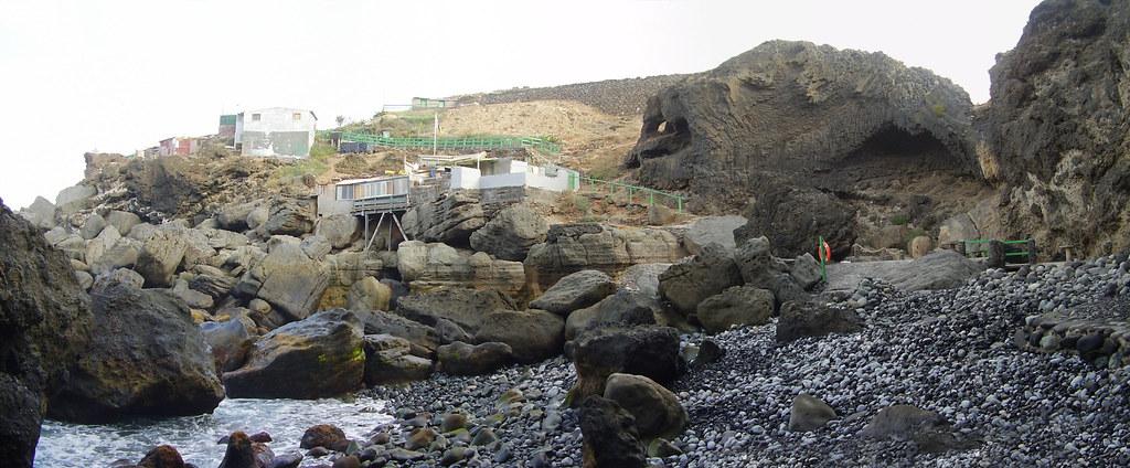 Punta de Arucas, playita de piedras