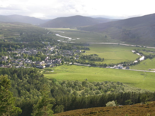 Braemar from above