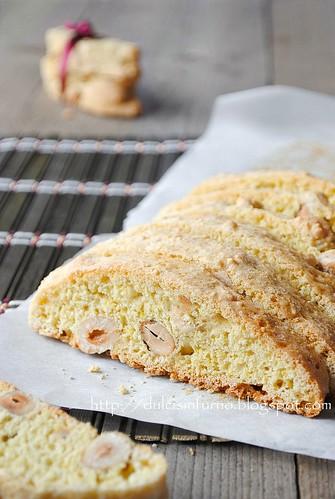 Biscotti alle Nocciole-Hazelnut Biscotti