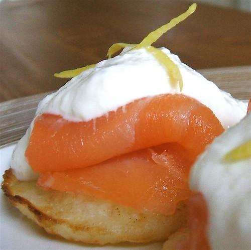 smoked salmon blinis with horseradish and lemon creme fraiche