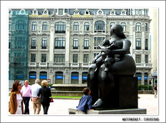 maternidad y curiosidad - by martius