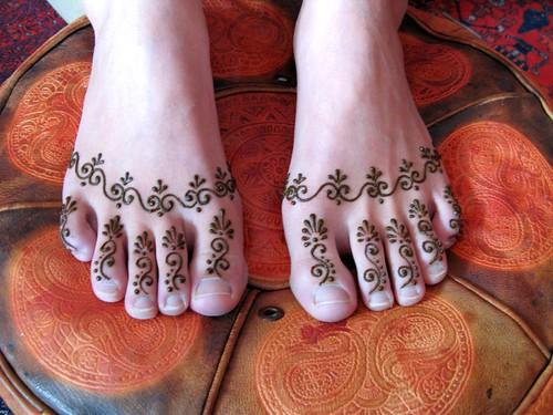 967787570 c8cc75dffe Mehndi on Feet