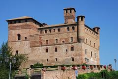 Grinzane Cavour - Castle - 04 - 03.08.07