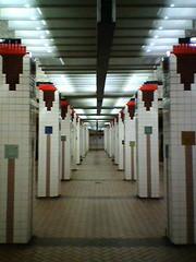 Broadway Station Lit