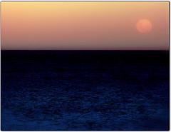 moon rising.jpg (jodi_tripp) Tags: ocean new sunset moon water dusk zealand napier allrightsreserved orton joditripp wwwjoditrippcom photographybyjodtripp joditrippcom
