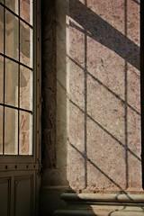 Geometrie ombrose (Kalos eidos) Tags: light luz window ventana ombra shades finestra luce projections proyecciones proiezioni platinumphoto sombrea