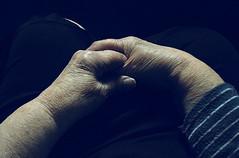 ser vieja (bereh!) Tags: old grandma portrait woman cold sadness hands skin manos abuela granny arrugas