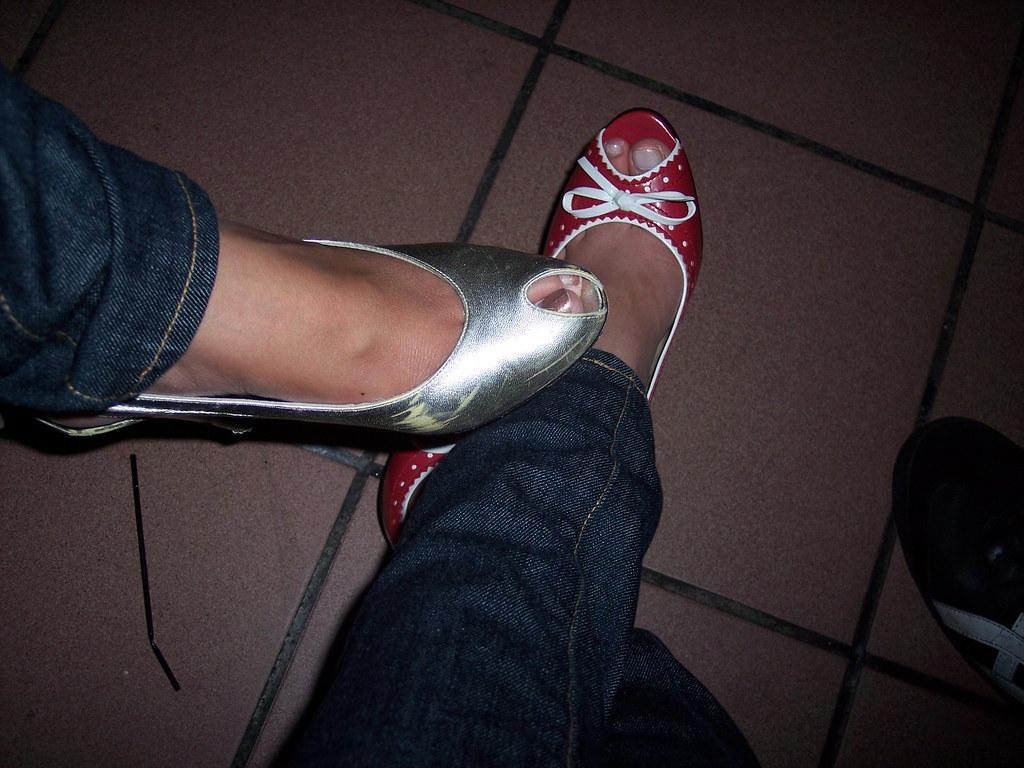 Butt foot leg pee