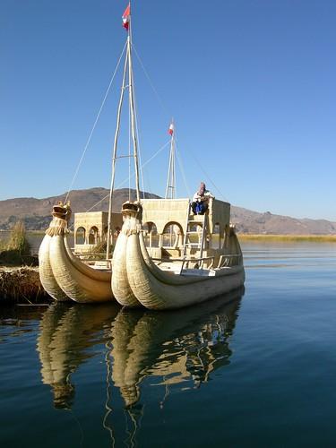 Titicaca boat por dachalan.