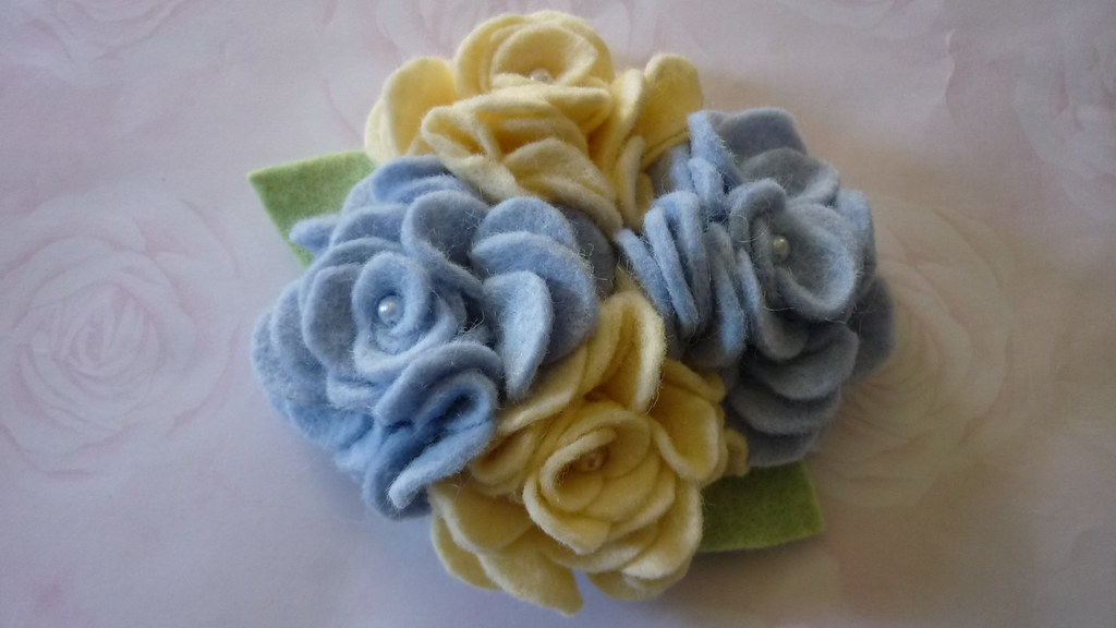 Wool felt yellow and blue roses brooch  pin