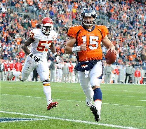 Timmy Tebow runs in for another score