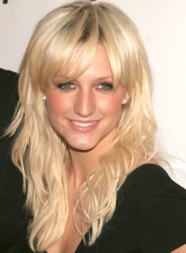 ashlee-simpson-beachy-waves-hair