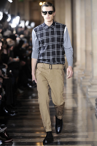 Anthon Wellsjo3023_FW10_Paris_Dries Van Noten(VOGUEcom)
