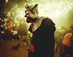 Correfoc! (Ibai Acevedo) Tags: luz night de noche folk devils festa chinas correfoc diversión llum catala foc diables dimonis espurnes diversió teià piiiiii