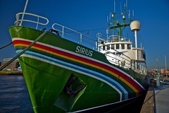 Amsterdam - 't IJ - Amsterdam-Noord - NDSM - Greenpeace - Sirius (Stewart Leiwakabessy) Tags: netherlands amsterdam docks boats nederland thenetherlands greenpeace stewart wharf sirius ndsm leiwakabessy stewartleiwakabessy nederlandschedokenscheepsbouwmaatschappij