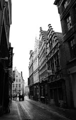 (DarkCyan) Tags: white black noir belgium belgique belgi zwart wit ghent gent blanc janbreydelstraat