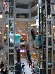 Manhattan Mall (W 33rd St at 6th Ave - New York) by scalleja, on Flickr