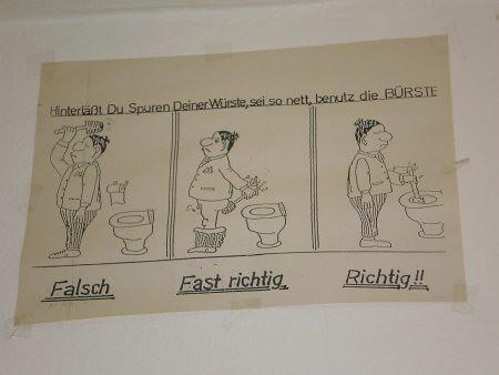 ¿Cómo se usa la escobilla del WC?