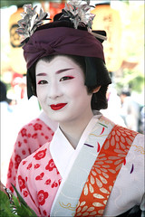 M I H A R U (mboogiedown) Tags: travel summer girl beauty smile festival japan asian japanese kyoto asia traditional culture maiko geiko geisha kimono gion tradition matsuri komachi higashi hanagasa hanamachi miharu oshiroi kagai discoverkyoto