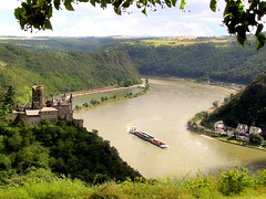 Castle Katz along the Rhine River (Bn) Tags: river germany topf50 rhine rijn burgkatz 50faves holidaysvacanzeurlaub