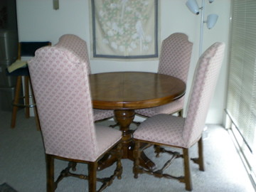 Antique Dining Room Table w/Chairs