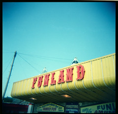 Funland (Squid Ink) Tags: southendonsea holaga