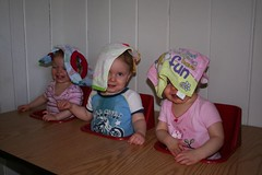 Lydia_Jonathan_Anna_in_table_at_Ocean_City_apt_20070924_003 (DeArment) Tags: playing triplets bibs