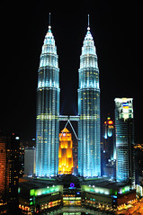 Landscape_KLCC_002 (Sutheshnathan) Tags: city beautiful beauty glitter night landscape towers twin twintowers kualalumpur soe mala klcc magnificent tallest d300 supershot anawesomeshot sutheshnathan