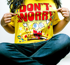Dont Worry, Be Happy` {Explored} (Abdulrahman BinSlmah) Tags: red yellow 50mm nikon jeans spongebob bobby af nikkor softbox d300 behappy mcferrin dontworry f14d 400w
