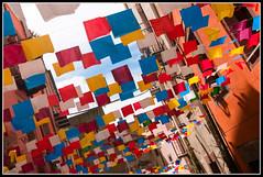 Festivits, Bosa, Sardaigne (Captain Flam's) Tags: sardegna italy landscape nikon sardinia village flag tokina1224 tokina fte 1224mm italie 1224 drapeau sardaigne d90 tokina124 fanions festivits atx124afprodx tokina1224mmf4atxafprodx