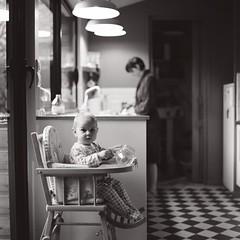 sunday morning (Erwan Bela) Tags: bw baby 120 6x6 kitchen kids mediumformat square cuisine nb enfants bb argentique carr hasselblad500cm moyenformat