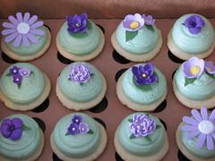 Purple Flower Cupcakes (sugarcrushmiami) Tags: cupcakes cupcake vanilla fondant buttercream sugarcrush sugarcrushmiami