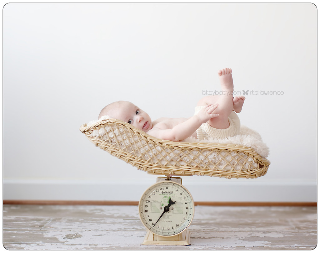 baby in scale annapolis photo studio