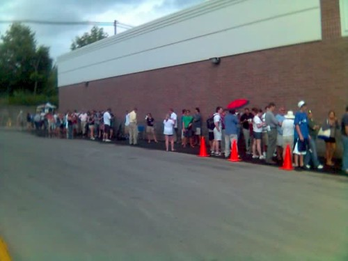iPhone Launch, standing in line