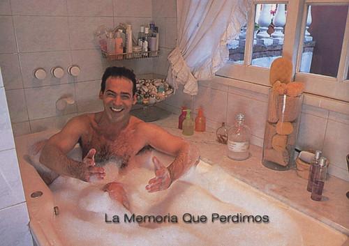 company baño 2001