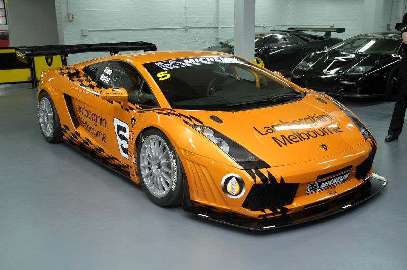 Image: Lamborghini racing in Oz