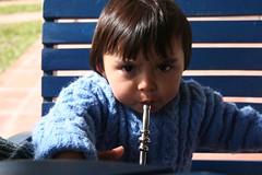 boliviano + gaúcho = bolucho (buenasaires) Tags: brasil lola andre criança pelotas mate niño riograndedosul chimarrão laranjal gaúcho andrecito