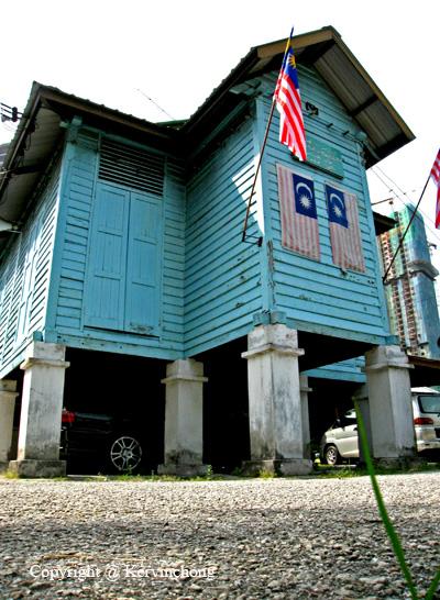 Kampung-Mosque01