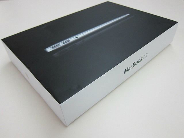 Apple MacBook Air 11 Inch (Late 2010)