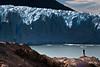 20091212 PNLG - Perito Moreno 127 (blogmulo) Tags: park travel parque patagonia scale silhouette ar glacier viajes national silueta glaciar nacional perito moreno losglaciares escala blogmulo 200912lunademiellunamielpnlosglaciaresparquenacionalglaciarespatagoniaargentinaviajestravelarcalafateperitomoreno