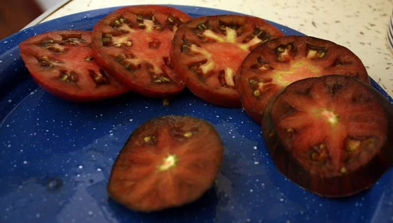 Black Seaman Tomato Sliced