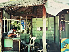 Snack time, Pulau Tioman