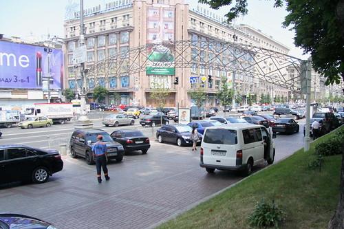 Платная парковка на тротуаре