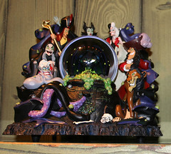 villains snowglobe (House Of Secrets Incorporated) Tags: france jafar disney hilde ursula scar cruelladevil littlemermaid frontierland captainhook thelionking disneylandparis maleficent cruella wickedwitch cernabog