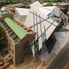The extension to the ROM by Daniel Libeskind (livinginacity) Tags: new toronto canada building architecture modern buildings wow wonderful design cool arquitectura crystals superb crystal contemporary awesome surreal canadian architect wicked libeskind angular rom  architettura recent looming royalontariomuseum daniellibeskind joyous fashionable crystalline       idiosyncratic arkitect  arkitekture  arkitecten a architectureincanada