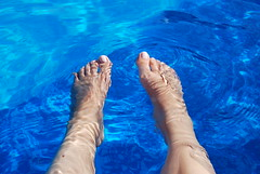 swimmingfeet (kittykot) Tags: feet water swimmingpool bulgary