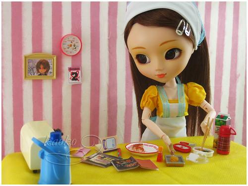 Pullip e miniaturas para bonecas