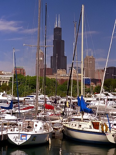 pictures travel chicago tower tourism boats photography harbor illinois nikon sailing waterfront photos pics searstower cities adventure sailboats nikkor n90 willis burnham lakefront 28200mm travelphotography burnhamharbor cityphotography