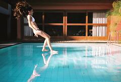 Fast! (Marcel Blanco) Tags: luz pool swimming nikon action sombra cor amesmapiscina