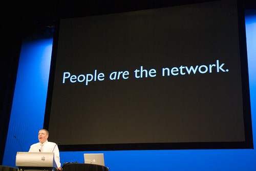 Mark Pesce at WDS07 with slide saying 'People are the network'